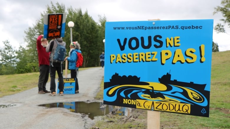 Abitibi-Témiscamingue residents gather to protest Gazoduq pipeline project