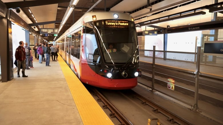 LRT hits technical snag in 1st afternoon rush hour