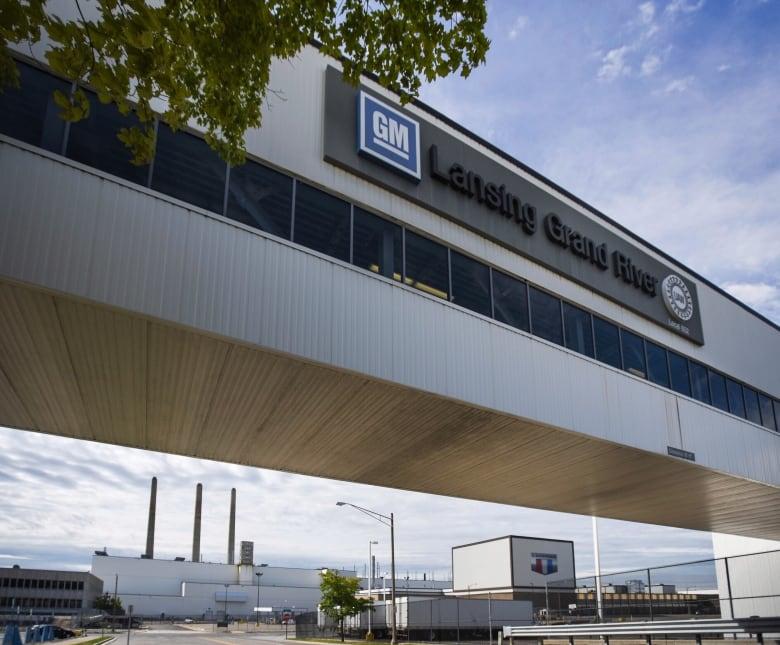 general motors uaw strike - Talks set to resume between General Motors, UAW but no deal yet