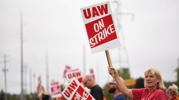 Auto union now turns focus to Fiat Chrysler; strike possible