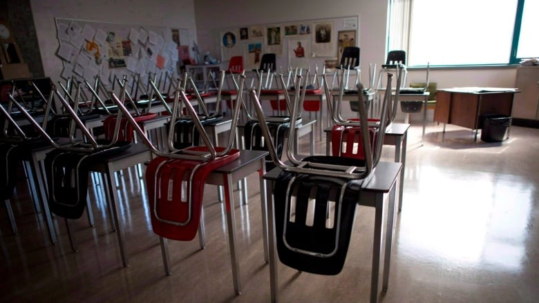 Sask. teachers say classroom size must be part of contract talks