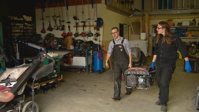 'I can carve my own path:' Mechanic shop provides employment to at-risk youth