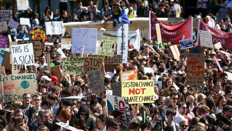 Tens of thousands march in New Zealand to start 2nd wave of global climate protests