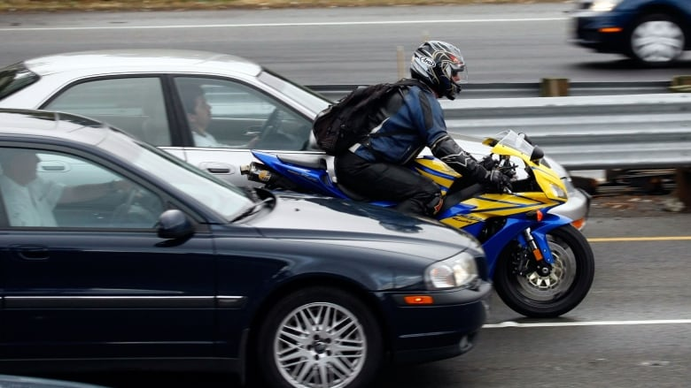 Lethal memory fail: why drivers see, and then forget motorcyclists