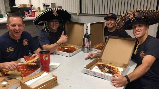 That's amore: Alberta, Texas firefighters bond over cheesy pizza-order mix-up