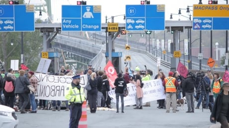 halifax macdonald bridge protesters