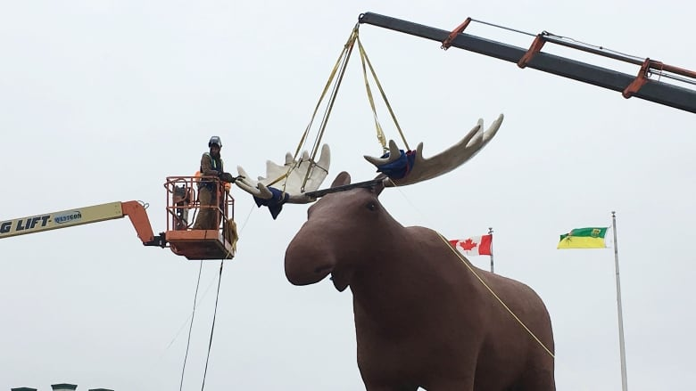 Quebec town's moose statue won't seek to supplant Moose Jaw's famed Mac