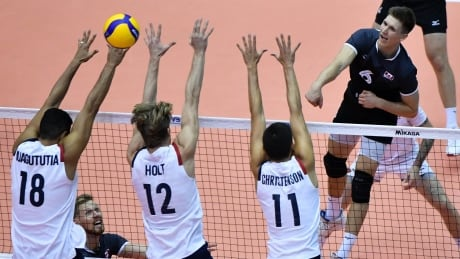 volleyball-canada-us-oct11