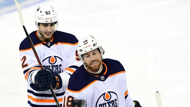 Oilers put ideal record on line at Blackhawks