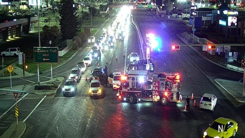 Pedestrian hurt in multi-vehicle crash that shut down Macleod Trail