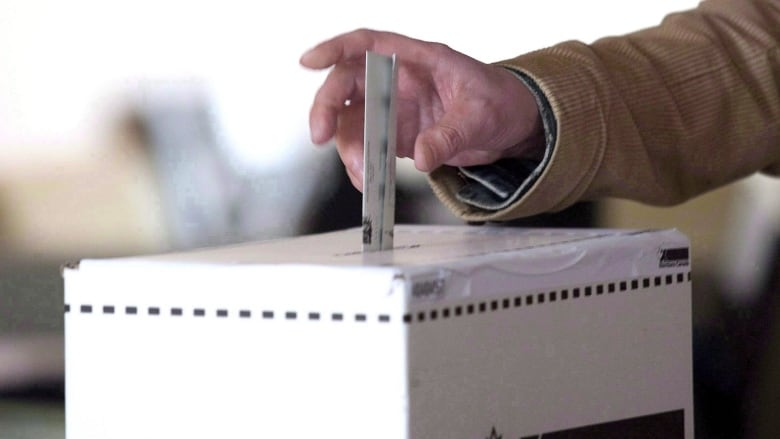 Advance poll turnout surges 29 per cent over 2015