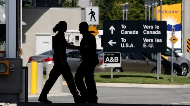 Canada and the U.S. are implementing the non-essential travel ban in very different ways | CBC News