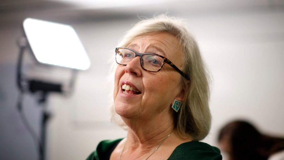 cbc.ca - The Canadian Press - Green Leader Elizabeth May promises electoral reform, lowering voting age to 16