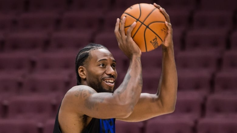 Kawhi Leonard Definitely Playing For Clippers In Vancouver