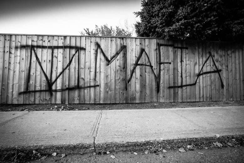 When 'loyalty or death' crumbles: Leaving gangs after 15 years in the life