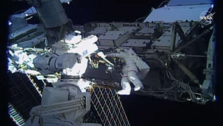 SPACE-EXPLORATION/SPACEWALK