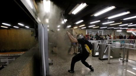 CHILE-PROTESTS/METRO
