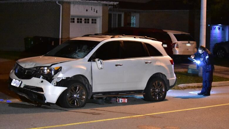 2 men injured, 1 critically, after being hit by suspected impaired driver in Etobicoke