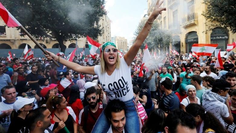 lebanon protests ile ilgili görsel sonucu