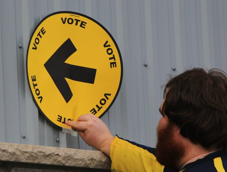 The polls in Newfoundland and Labrador were the first to open in Canada Monday morning. (Dave Chidley/The Canadian Press)
