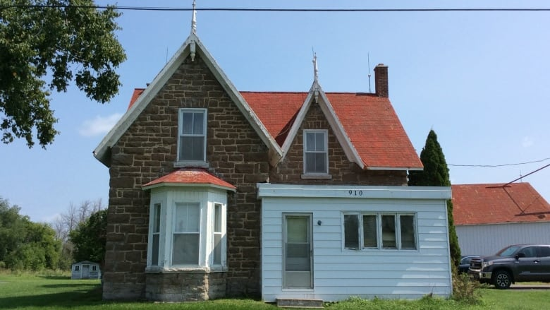 Owner demolishes home days before it could get heritage status