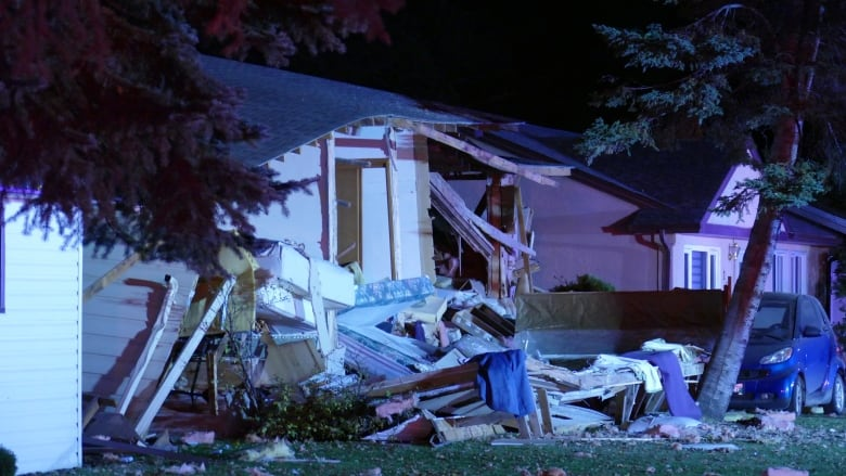 Woman dead, man airlifted to Winnipeg after house explosion in Brandon, Man.