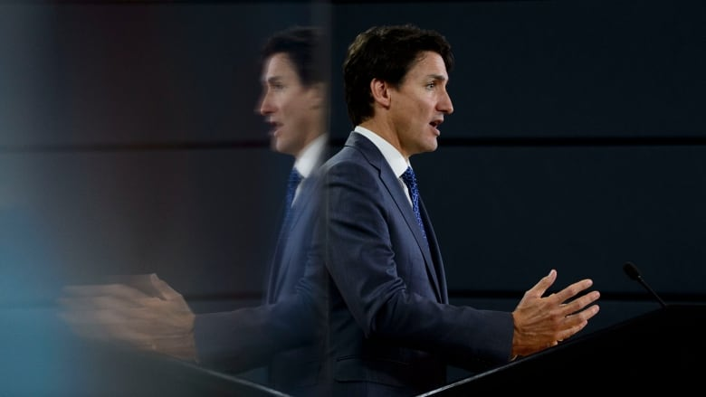 Trudeau rules out coalition, promises gender equity in new cabinet