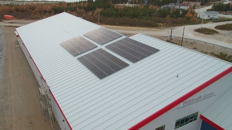 Makkovik Arena solar panels