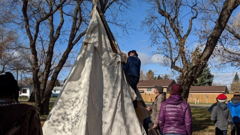 Tipi Teachings program offers First Nations cultural lessons to Edmonton communities