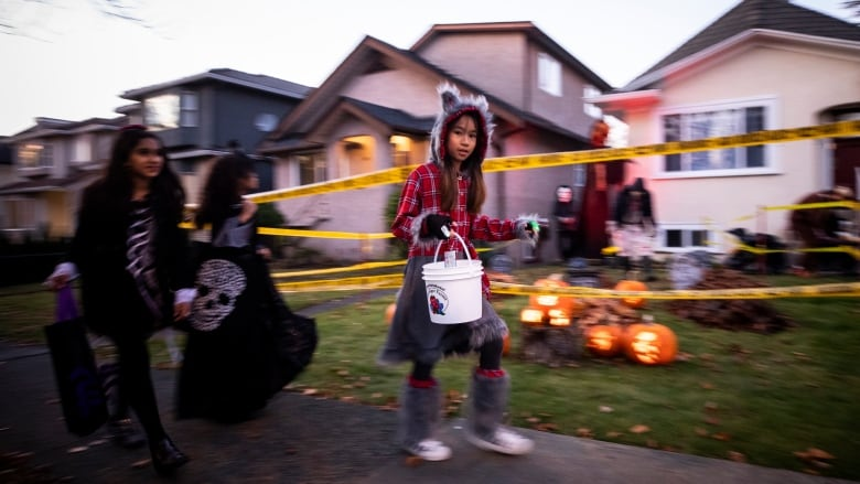 City Officials Greenlight Trick-Or-Treating With COVID-19 Precautions