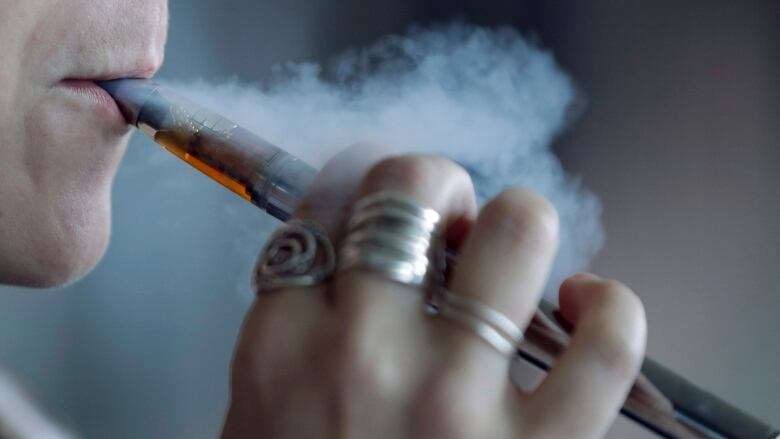 U.S. officials identify 'strong culprit' in vaping illnesses
