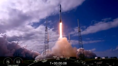 SpaceX launches 60 more Starlink mini-satellites