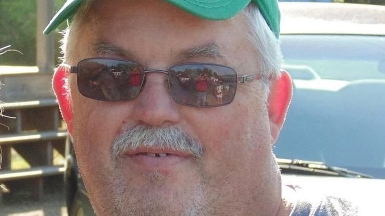 Hundreds pay respects to Oshawa tow truck driver who died on job