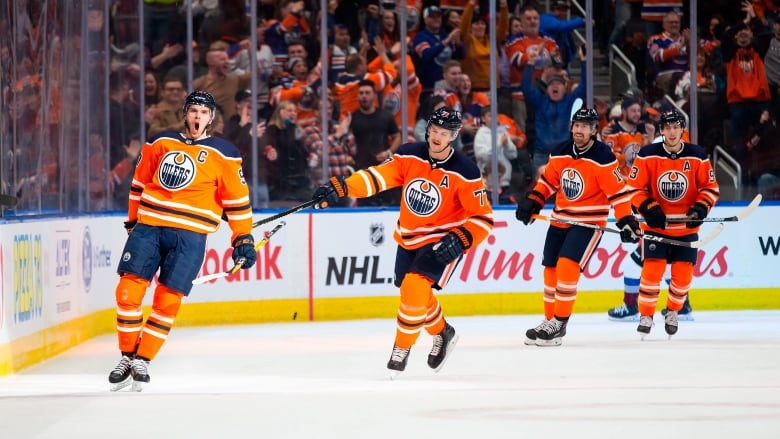 McDavid hat trick leads Oilers past Avalanche 6-2 | State National Sports