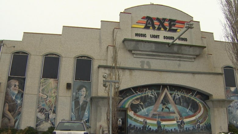 Swan song for old Axe Music location as Long & McQuade opens new store