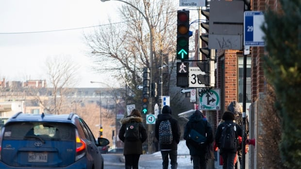 Montreal puts pedestrian safety first at traffic lights