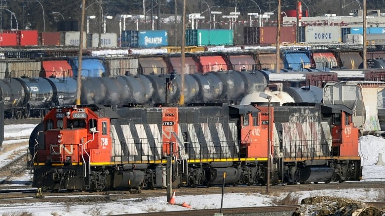 Canadian ministers meet with CN Rail, union in effort to avert strike