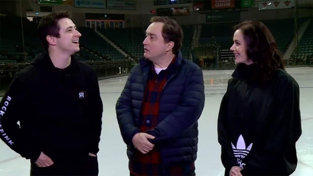 Tessa Virtue & Scott Moir have a 'patinage à trois' with 'This Hour has 22 Minutes'