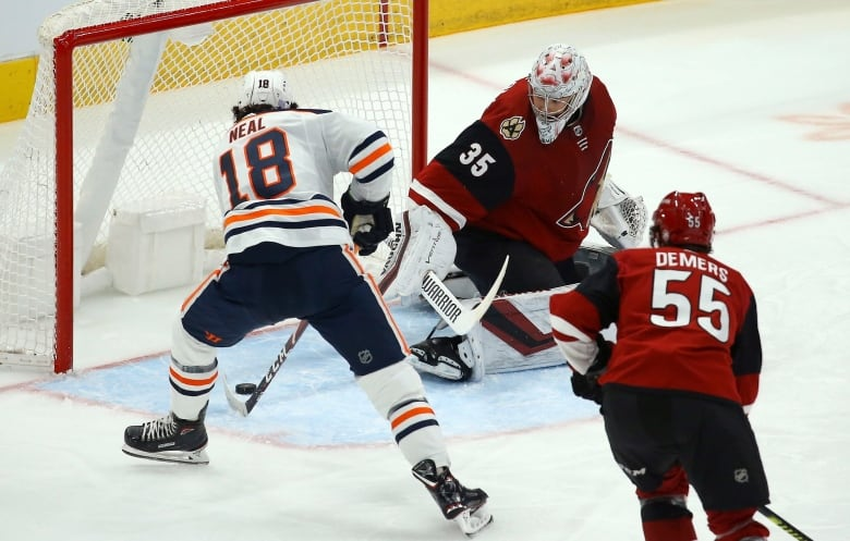 McDavid extends point streak to 11 games, Oilers top Coyotes in shootout