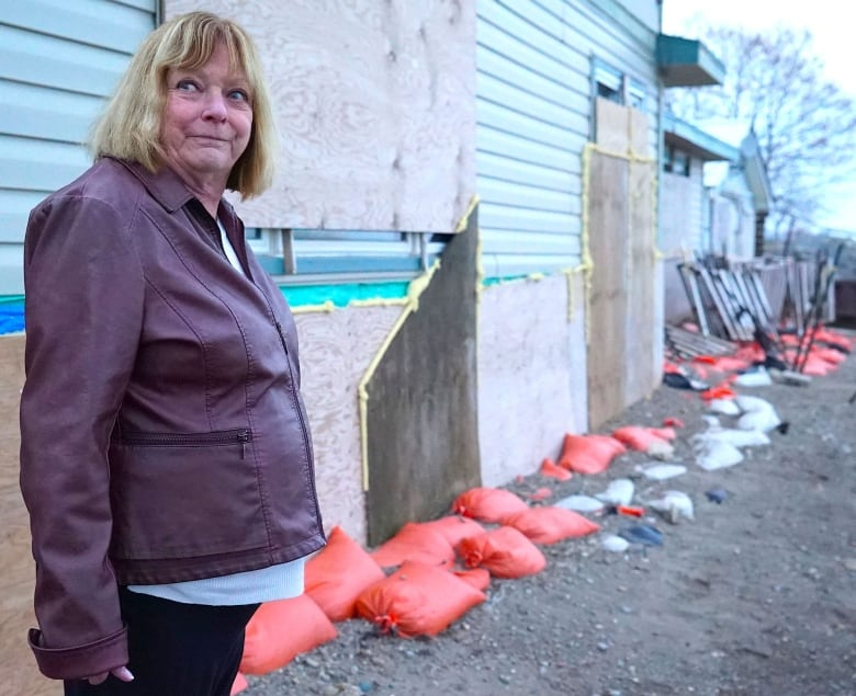 'I'm watching it disappear:' Residents along Lake Erie reckoning with worsening shoreline erosion
