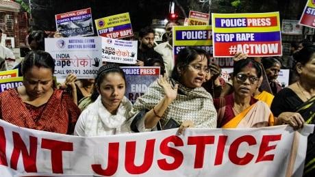 Rape victim in India set ablaze on way to court