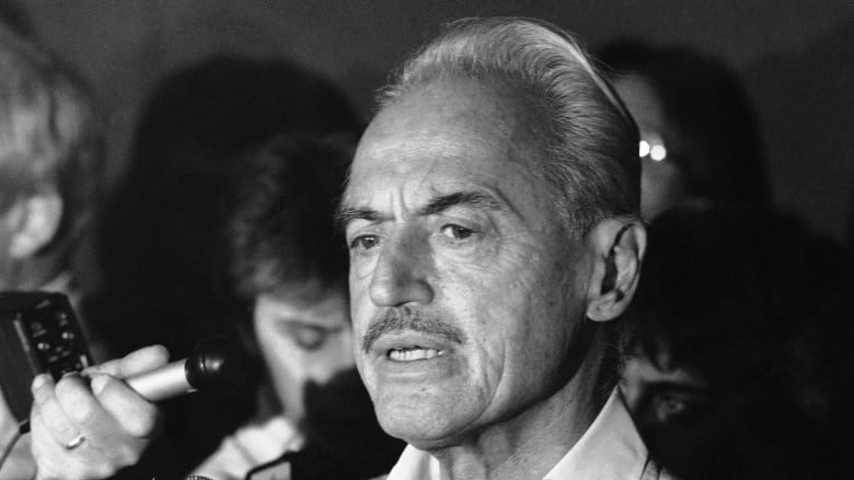 Union exec Marvin Miller elected to Baseball Hall of Fame