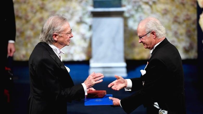 Journalist who covered Srebrenica massacre 'astounded' Peter Handke received Nobel Prize