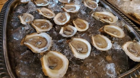 Oysters on platter