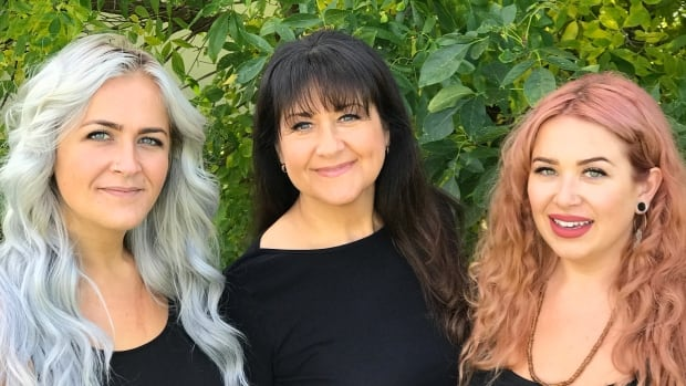 In case of memory loss, this mom wrote a 'pre-dementia' letter to her daughters | CBC Radio