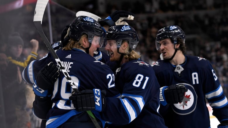 Blake Wheeler sparks offence, Jets hand Red Wings 12th straight loss