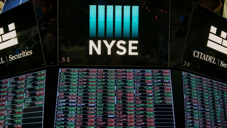 U.S. stocks reach new highs after rumours of 50% cut on Chinese tariffs