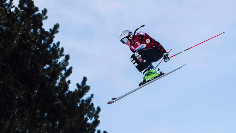 Marielle Thompson's gold highlights 4-medal day for Canada's ski cross team