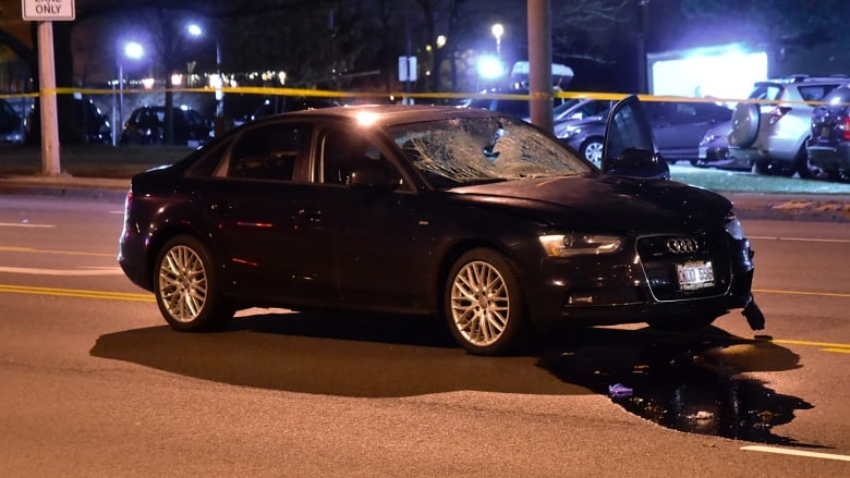 Man dead after being struck by driver on Lawrence Avenue East