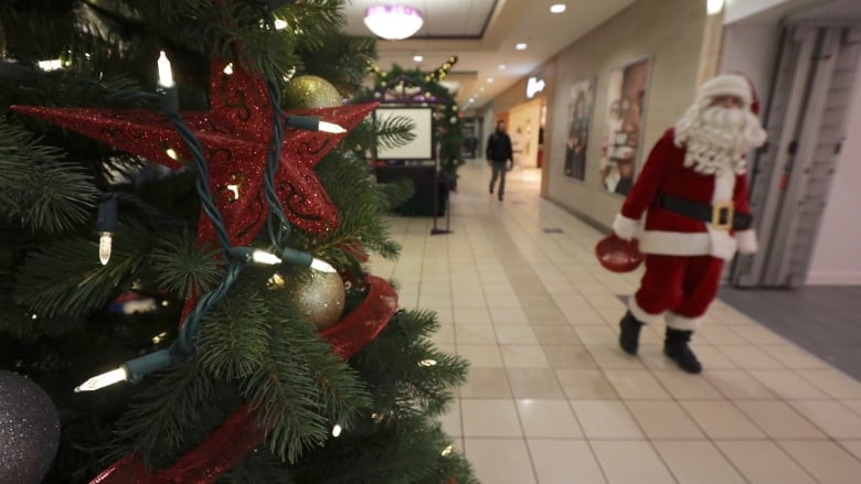 Major Canadian mall operator cancels Santa visits, will offer virtual experiences instead